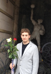 Arron at the grave of Enrico Rastelli